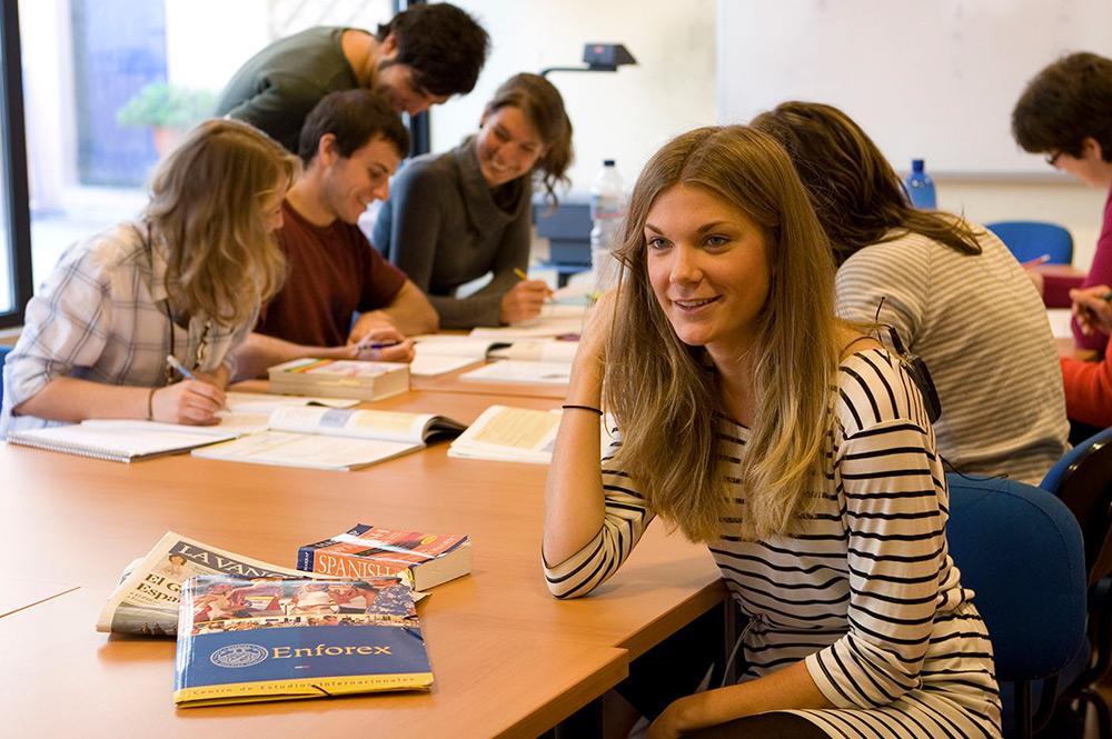 Hiszpania obóz językowy dla młodzieży w Barcelonie - zajęcia