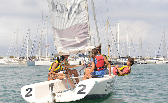 Hiszpania obóz językowy dla młodzieży w Walencji - jacht