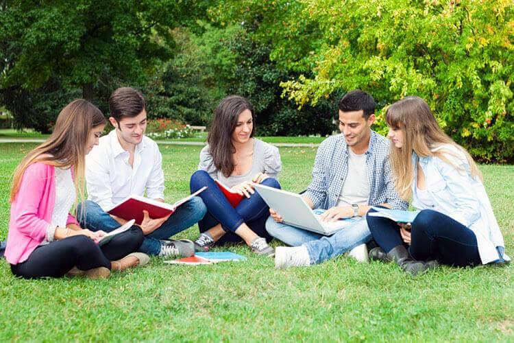 Kursy językowe za granicą dla młodzieży od 12 do 21 lat