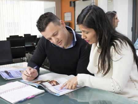 Program kursu jest przystosowany do potrzeb osób dorosłych, powyżej 30 roku życia