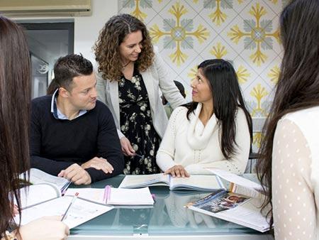 Bezpłatne zajęcia pozalekcyjne na kursie języka angielskiego dla dorosłych 30+ (Malta)