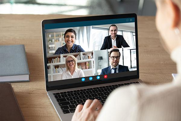 Stacjonarne kursy językowe dla firm przenoszą się online na czas pandemii COVID-19